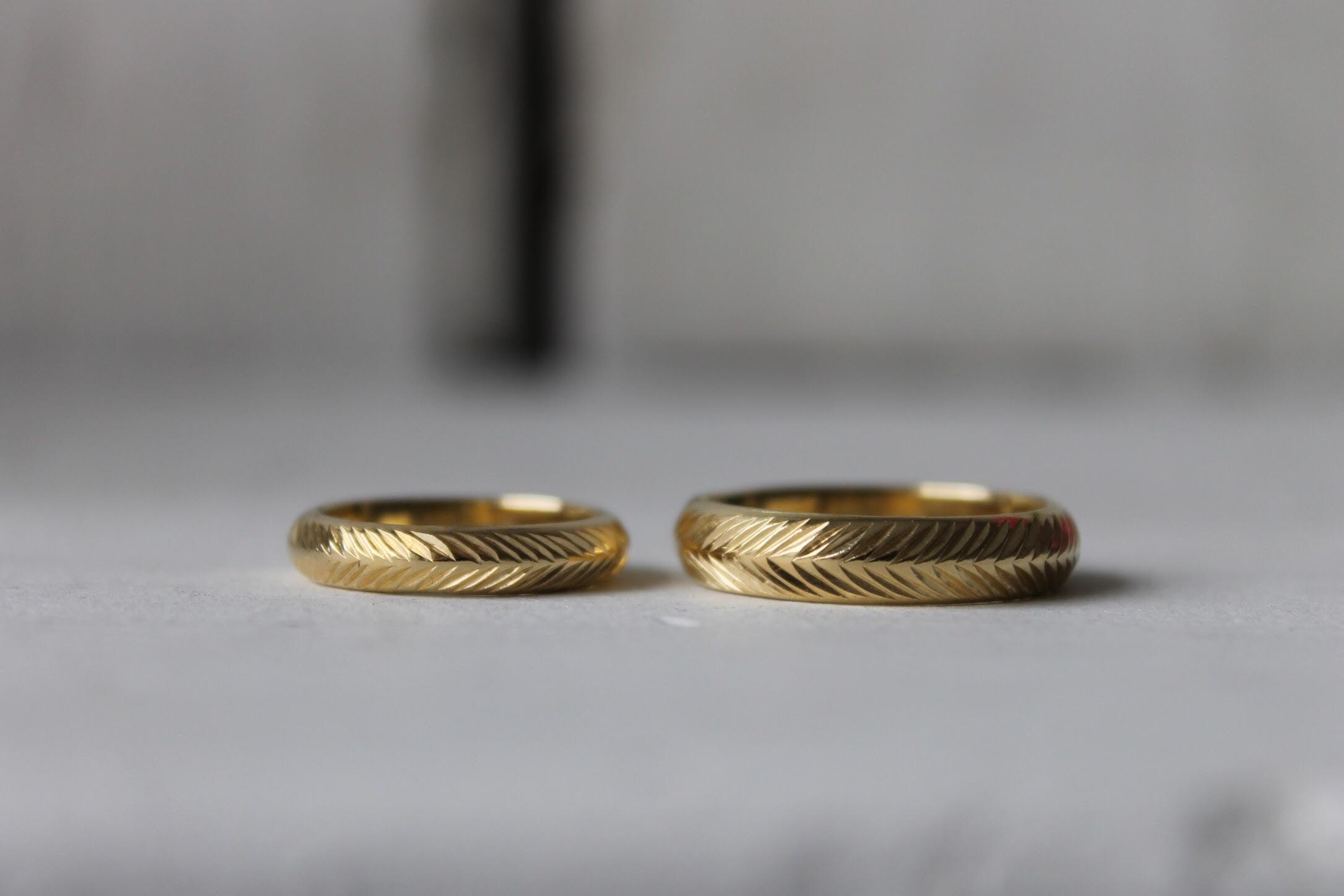 wheat-pattern-handengraved-weding-rings-quarterworkshop.jpg
