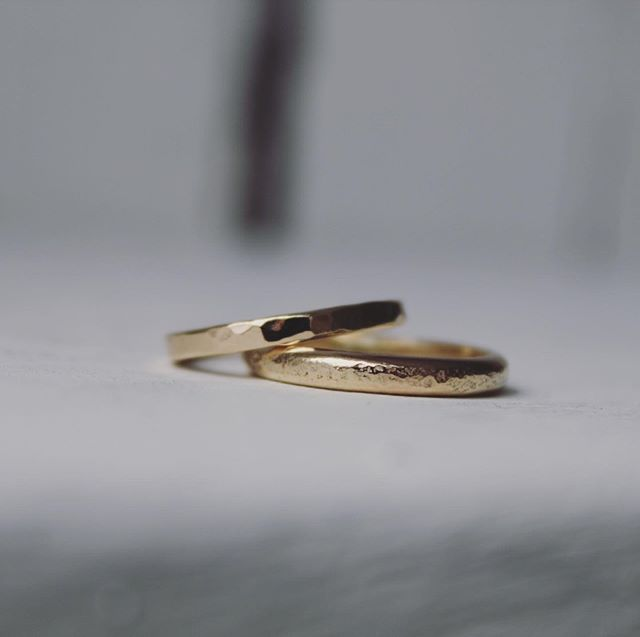 Gorgeous textured gold rings made at the workshop by Kelly & Chris  Scroll to see more  #makeyourownweddingrings #weddingideas #coolbride #makeit #diywedding #weddinginspo #inspiration #ideas #gettingmarried #elope #uk #rings #unique #handmade #imadeyouthisring #gold #texture #bespoke #oneofakind #jq