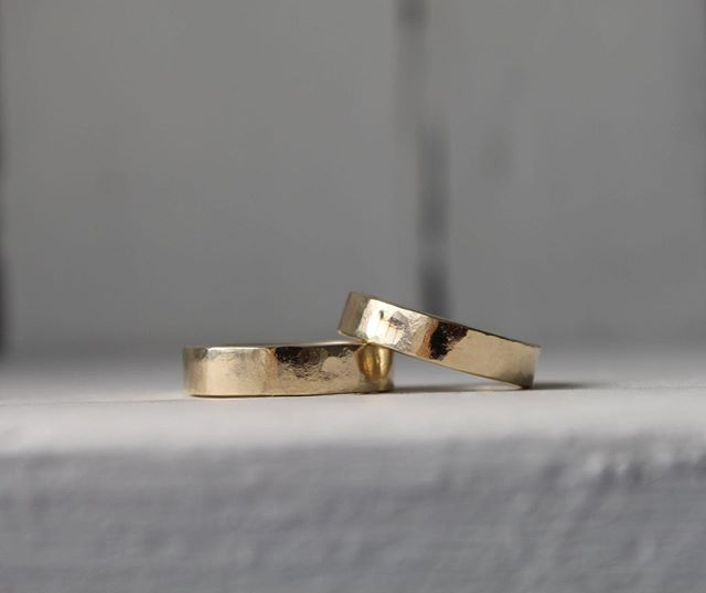 Who would have thought hitting something with a hammer could create such a beautiful & subtle texture?⁣ A pair of totally unique golden wedding bands made by JoAnne & Simon last Saturday ⁣ ⁣ #makeyourownweddingrings #imadeyouthisring #handmade #weddinginspirations #littlebookforweddings #jq #birmingham #bridetobe #madewithlove #unique #meaningful #indiebride#alternativewedding #bespokebride⁣ #engaged #ilovebrum #weddingideas #handmadejewelry #weddinginspiration #indiewedding #bride #weddingplanning #weddinginspo #gettingmarried #thisisbham #weddingstyle #groom #instawedding #dreamwedding