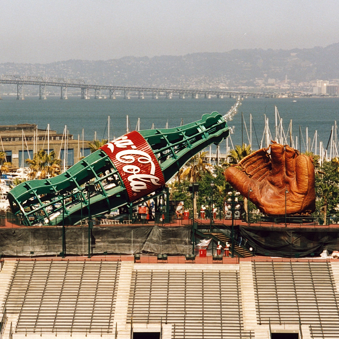 San Francisco Giants Baseball Mitt - Giant Glove Sculpture AT&T Park – Design and Fabrication