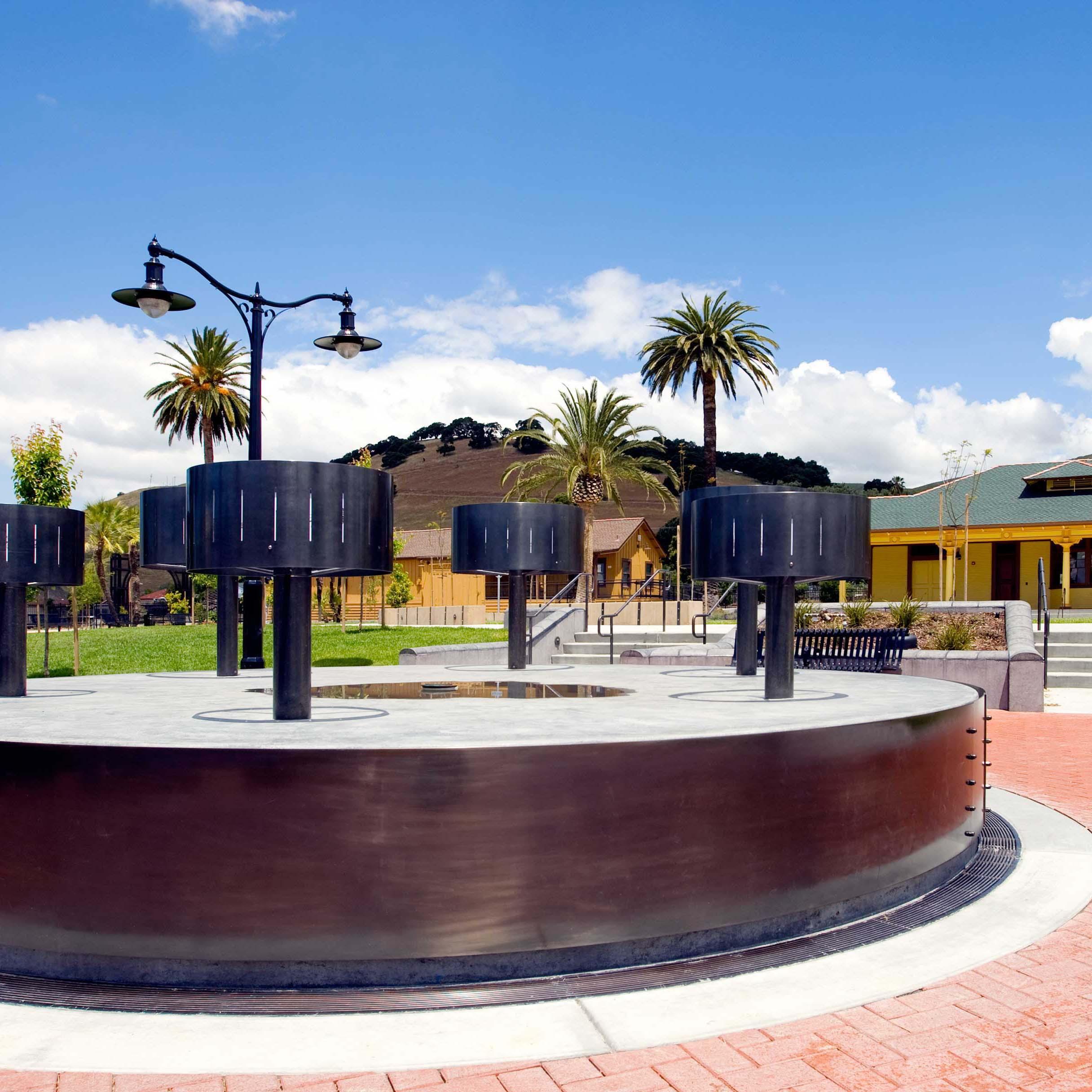 Niles Canyon Plaza : Zoetropes  Fremont, CA