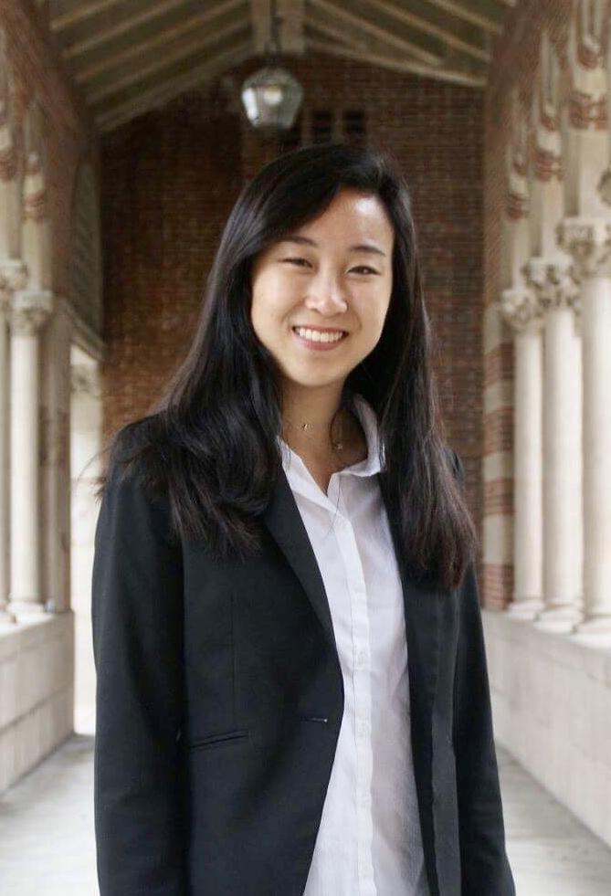 Joyce Li Headshot.jpg