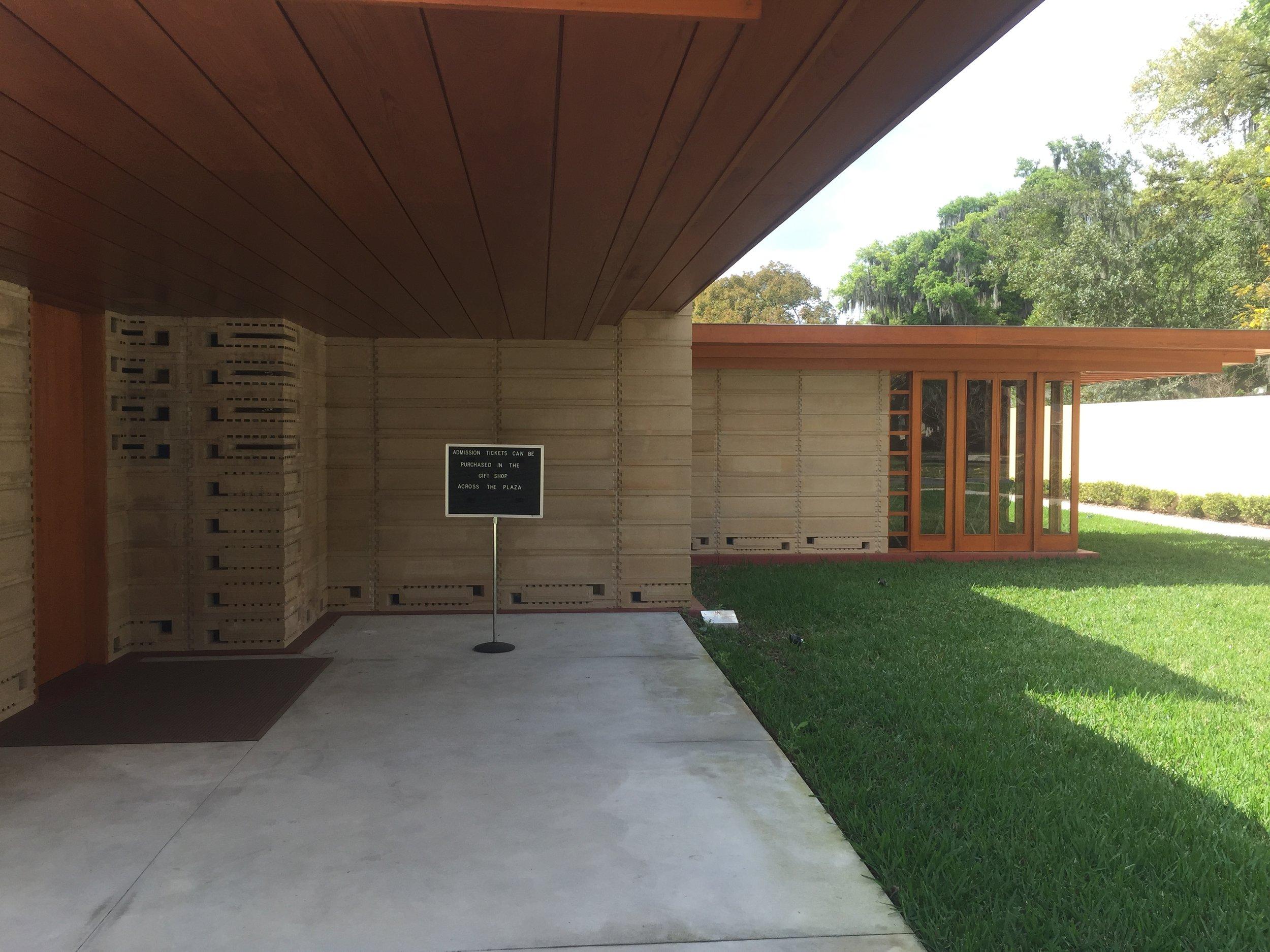 Florida Southern College, Frank Lloyd Wright, Lakeland Florida Florida Polytechnic Building, Santiago Calatrava© 2016 David Harrop