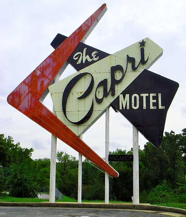 Capri_motel_sign.jpg