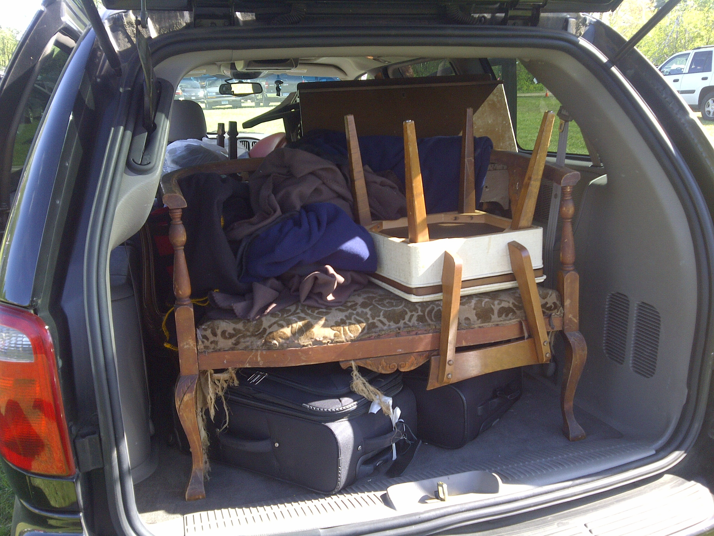Minivan packed with new purchases ... luckily our suitcases still fit!
