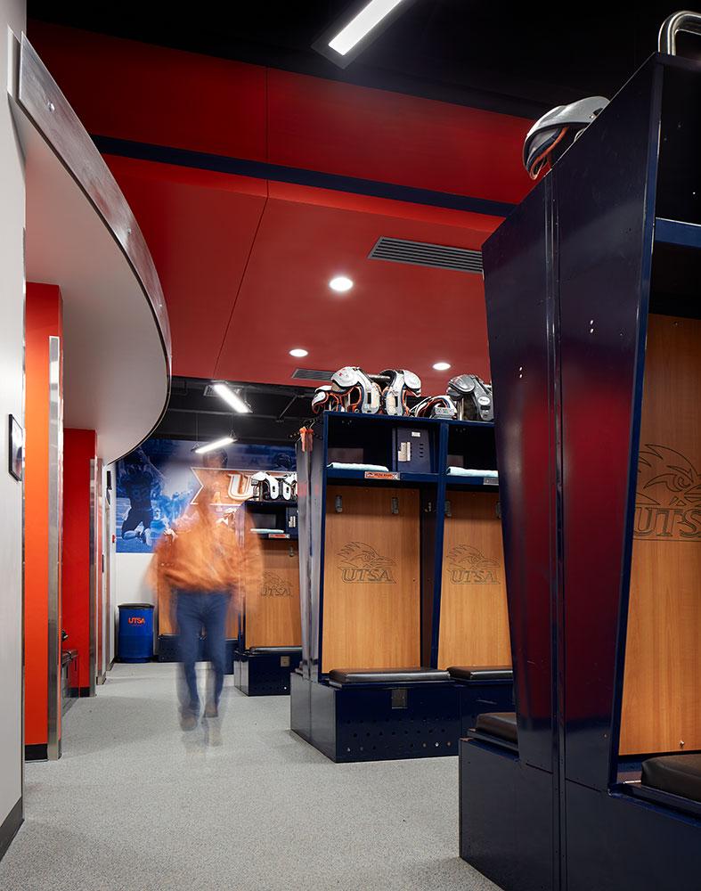 UTSA-Lockeroom02.jpg