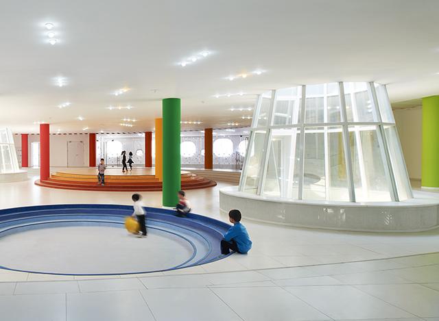 Loop-International-Kindergarten-School-By-Sako-Architects-9.jpg