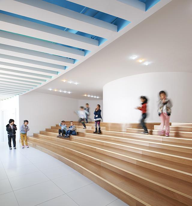 Loop-International-Kindergarten-School-By-Sako-Architects-3.jpg