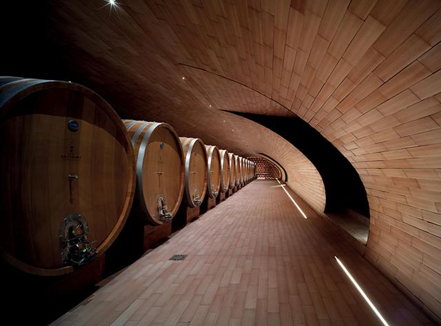 Cantina-Antinori-Winery-Graphics-By-Archea-Associati-Italy-6.jpg