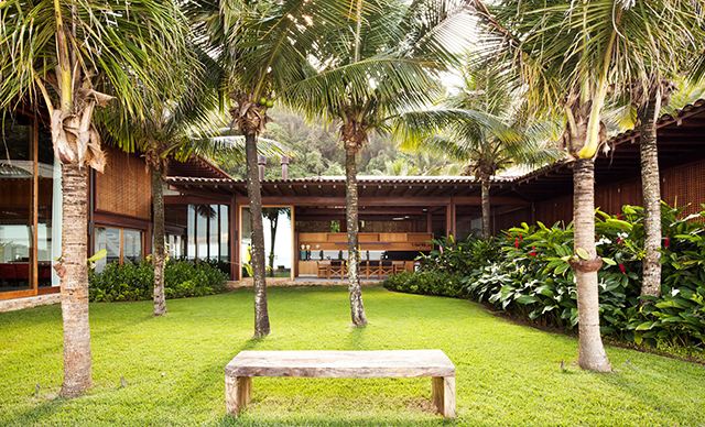 Residencia-MC-Jacobsen-Arquitetura-Tropical-Homes-4.jpg