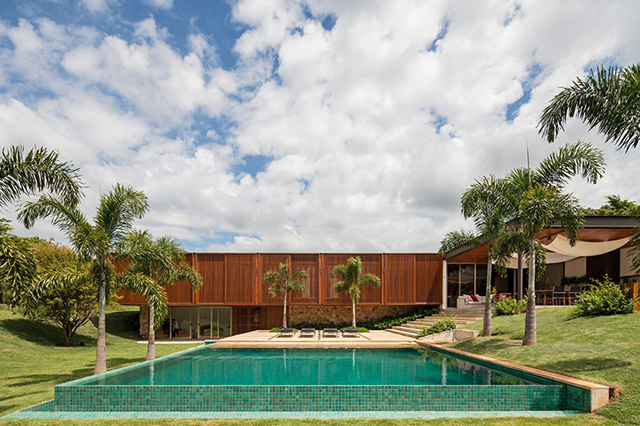 Recidencia-MDT-House-by-Jacobsen-Arquitetura-5.jpg