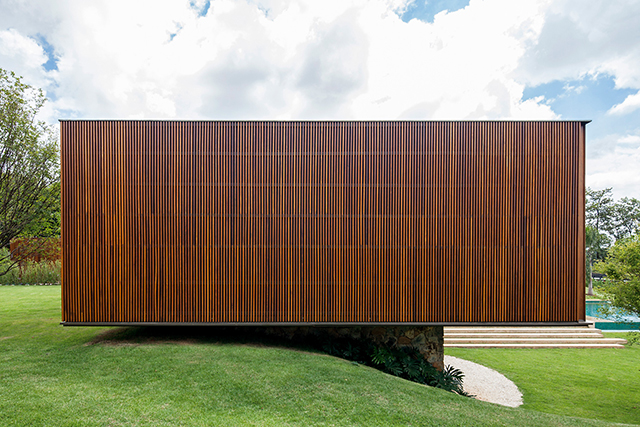 Recidencia-MDT-House-by-Jacobsen-Arquitetura-4.jpg