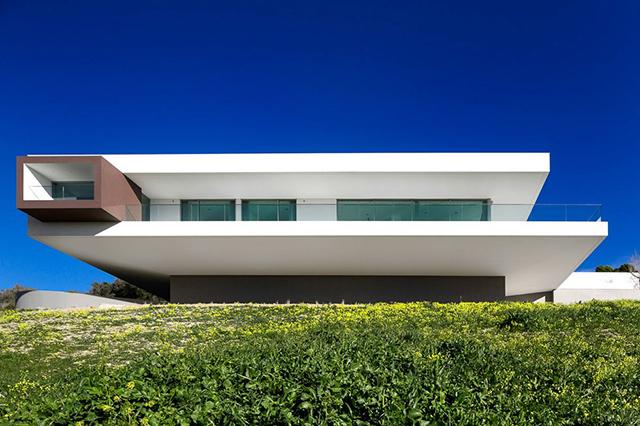 Villa-Escarpa-By-Mario-Martins-Atelier-KNSTRCT-20.jpg