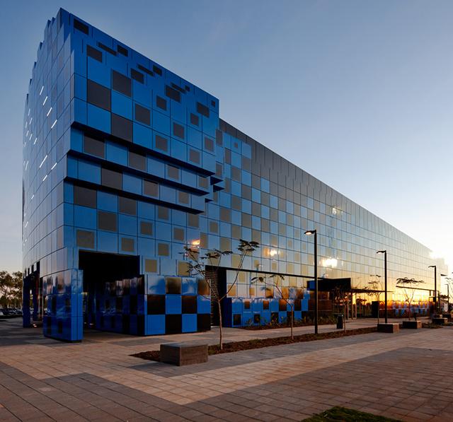 Wanangkura-Stadium-Port-Hedland-ARM-Architects-Australia-6.jpg