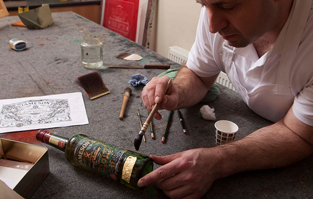 Jameson-Irish-Whiskey-Bottle-Glass-Etching-8.jpg
