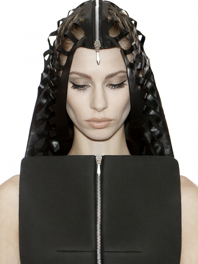 DZHUS-Neoprene-Hood-Dress-Kiev-Fashion-2.jpg