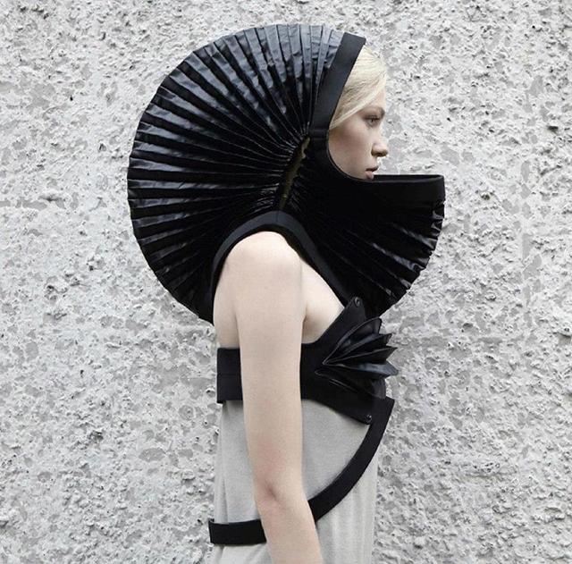 DZHUS-Neoprene-Hood-Dress-Kiev-Fashion-6.jpg