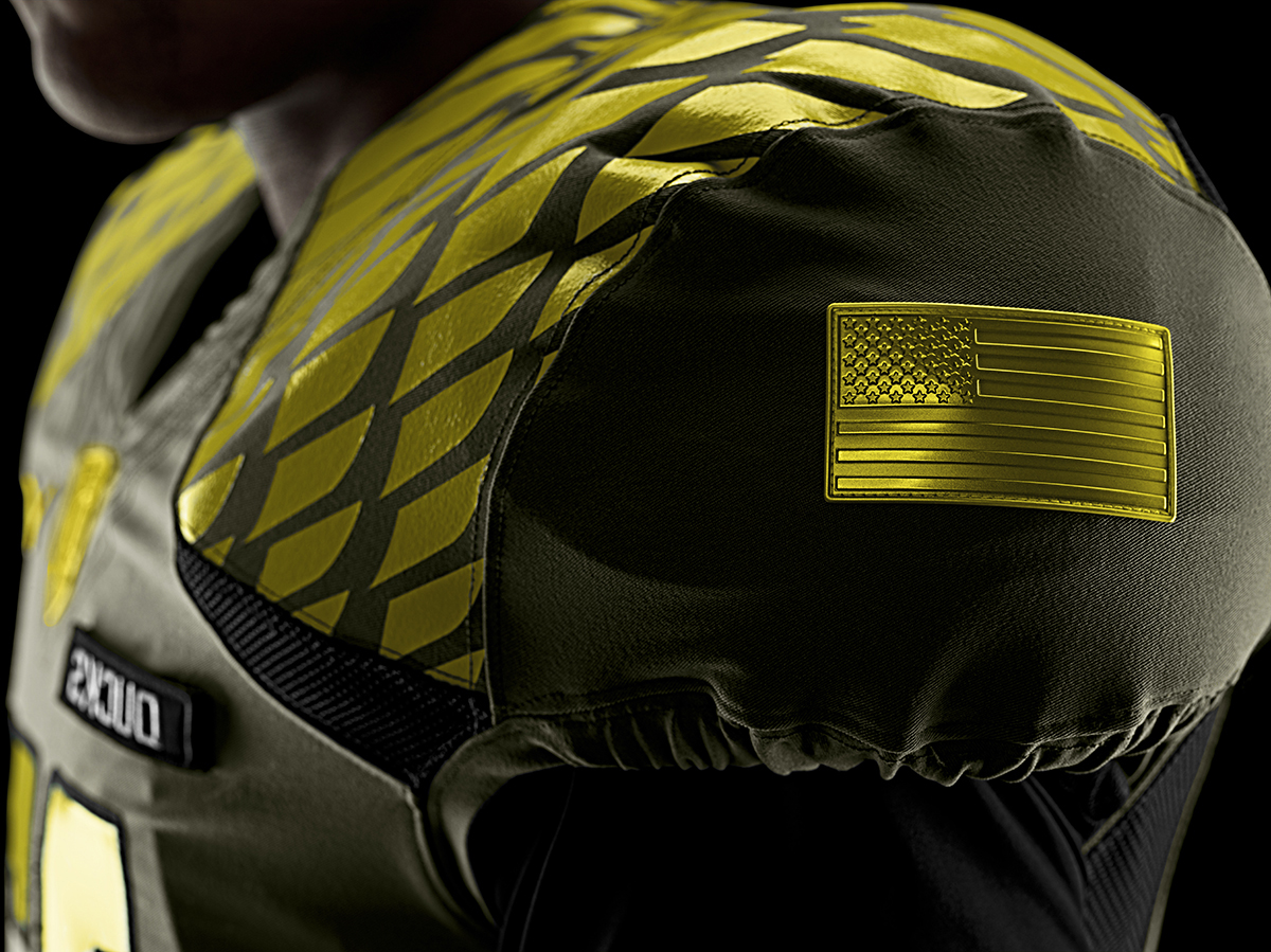 Nike-Football-Uniform-UofO-Away-Flag-LG4.jpg