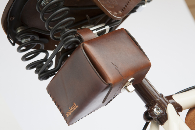 Walnut-Studio-Leather-Bicycle-bags-knstrct-3.jpg