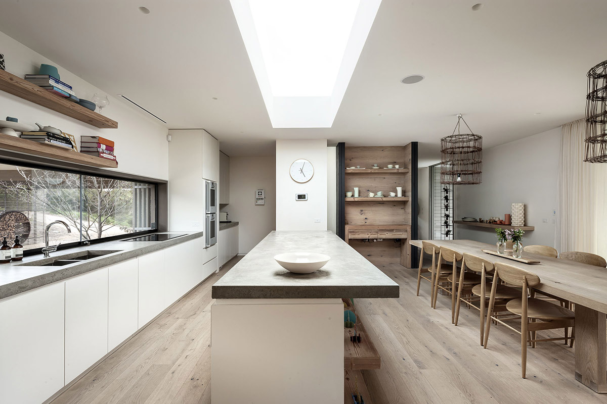 Fingal-Residence-Fingal-Australia-Kitchen-Island-Dining-Table.jpg