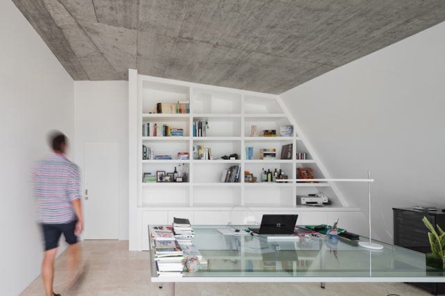 House-in-Tavira-by-Vitor-Vilhena-Modern-Homes-8.jpg