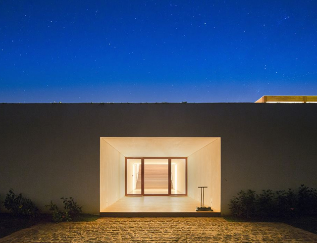 Fasano-Boa-vista-Clubhouse-Isay-Weinfeld-Brazil-Knstrct-3.jpg