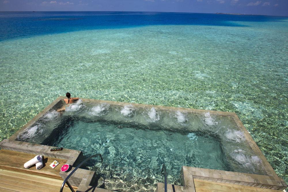Knstrct-Travel-Hotel-Swimming-Pool-LG6.jpg
