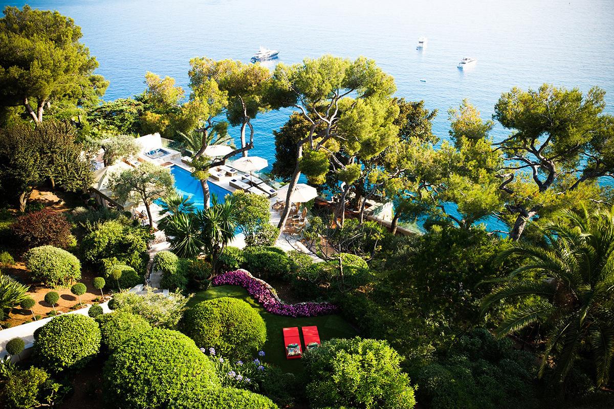 Knstrct-Travel-Hotel-Swimming-Pool-LG7.jpg