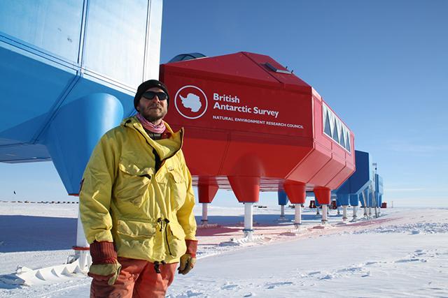 Halley-VI-Antarctic-Opens-Hugh-Broughton-British-Antarctic-Survey-2.jpg