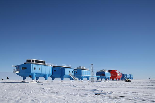 Halley-VI-Antarctic-Opens-Hugh-Broughton-British-Antarctic-Survey-5.jpg