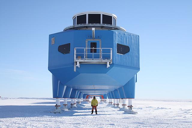 Halley-VI-Antarctic-Opens-Hugh-Broughton-British-Antarctic-Survey-4.jpg