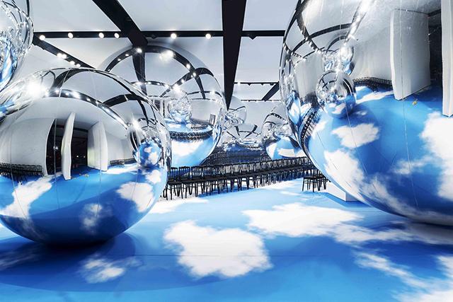 Mirror-Architecture-Dio-Fashion-Show-2.jpg