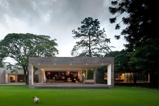 Isay-Weinfeld-Casa-Grecia-Sao-Paulo-architecture-3.jpg
