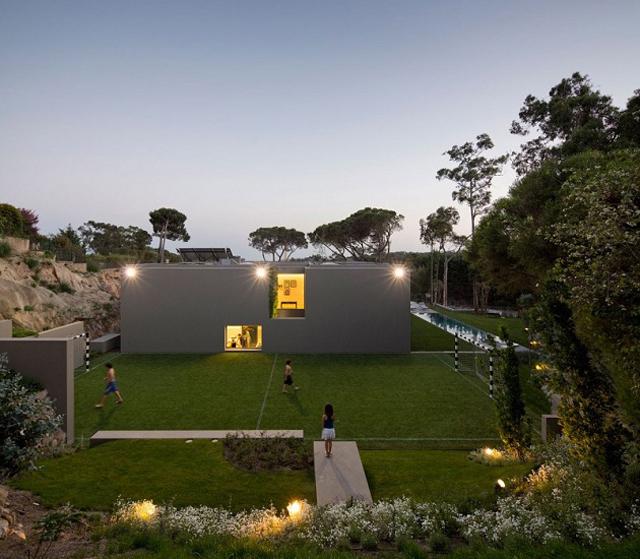 Quinta-Patino-Frederico-Valsassina-Arquitectos-Modern-Knstrct-1.jpg
