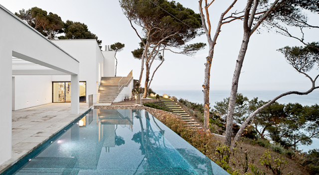 House-Costa-Brava-Jordi-Garces-Modern-Home-8.jpg