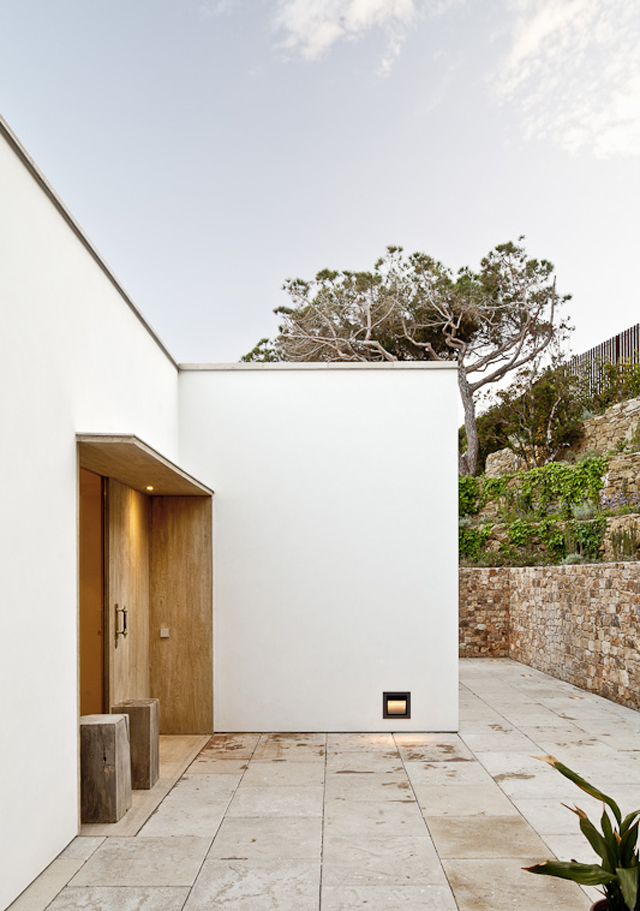 House-Costa-Brava-Jordi-Garces-Modern-Home-2.jpg