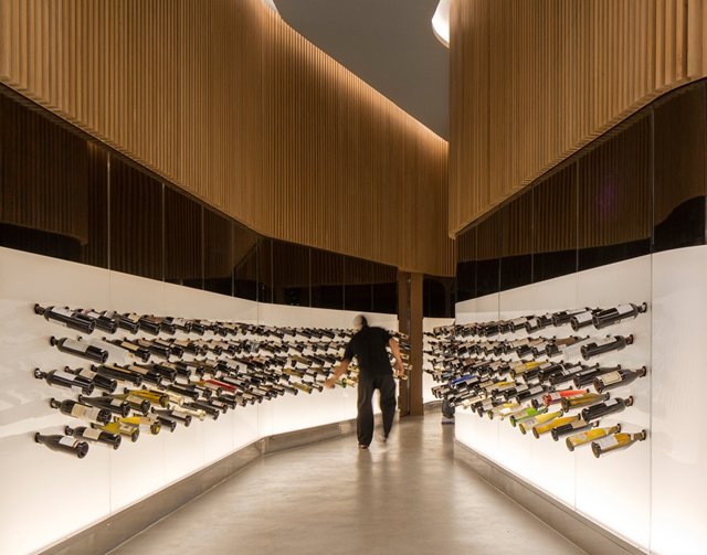 Studio-Arthur-Casas-Lojas-Mistral-Wine-Shop-Sao-Paulo-3.jpg
