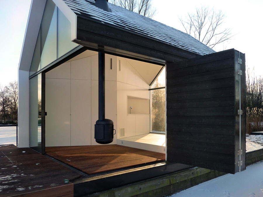 Loosdrecht-Island-house-2by4-architects-modern-homes-4.jpg