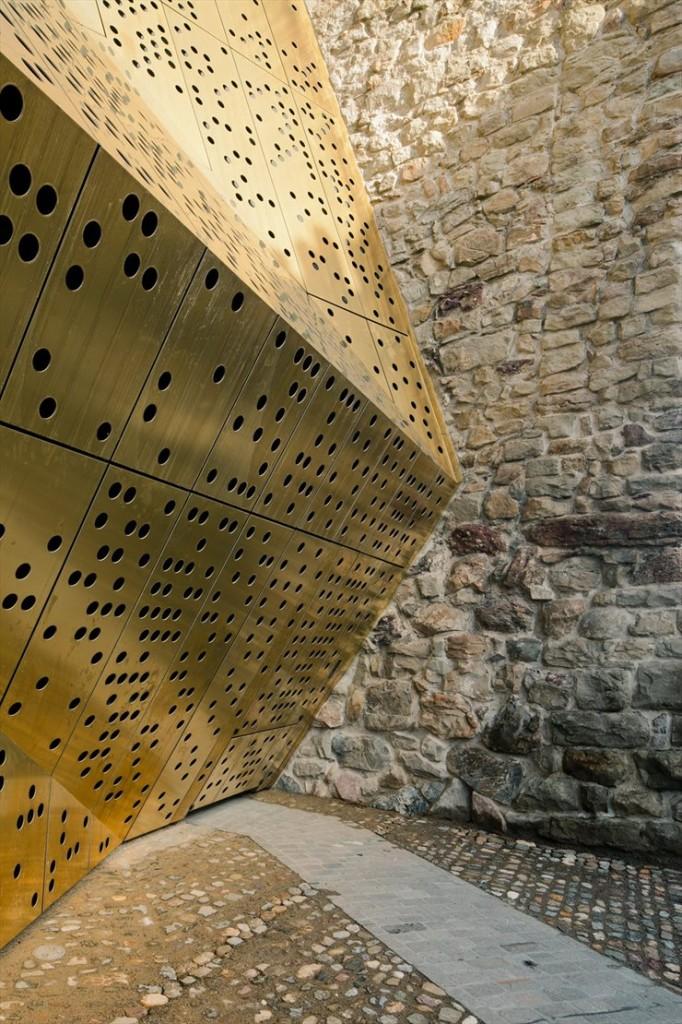 Rapperswil-jona-museum-switzerland-mlzd-architects-7-682x1024.jpg