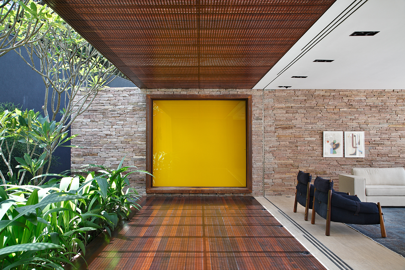 AH-House-Guilherme-Torres-Studio-Brazil-4.jpg