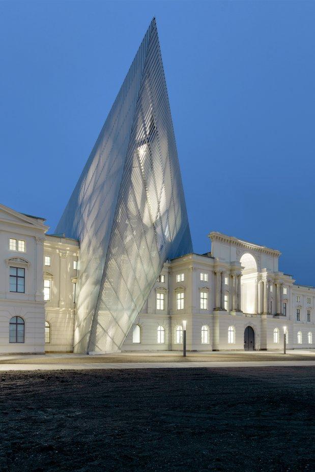 Daniel-libeskind-military-museum-4.jpg