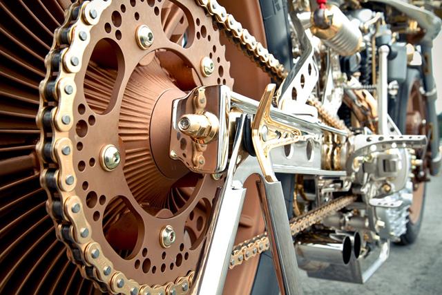 Thunderbike-Motorcycle-AMD-Championship-Custom-Bike-Building-2012-7.jpg