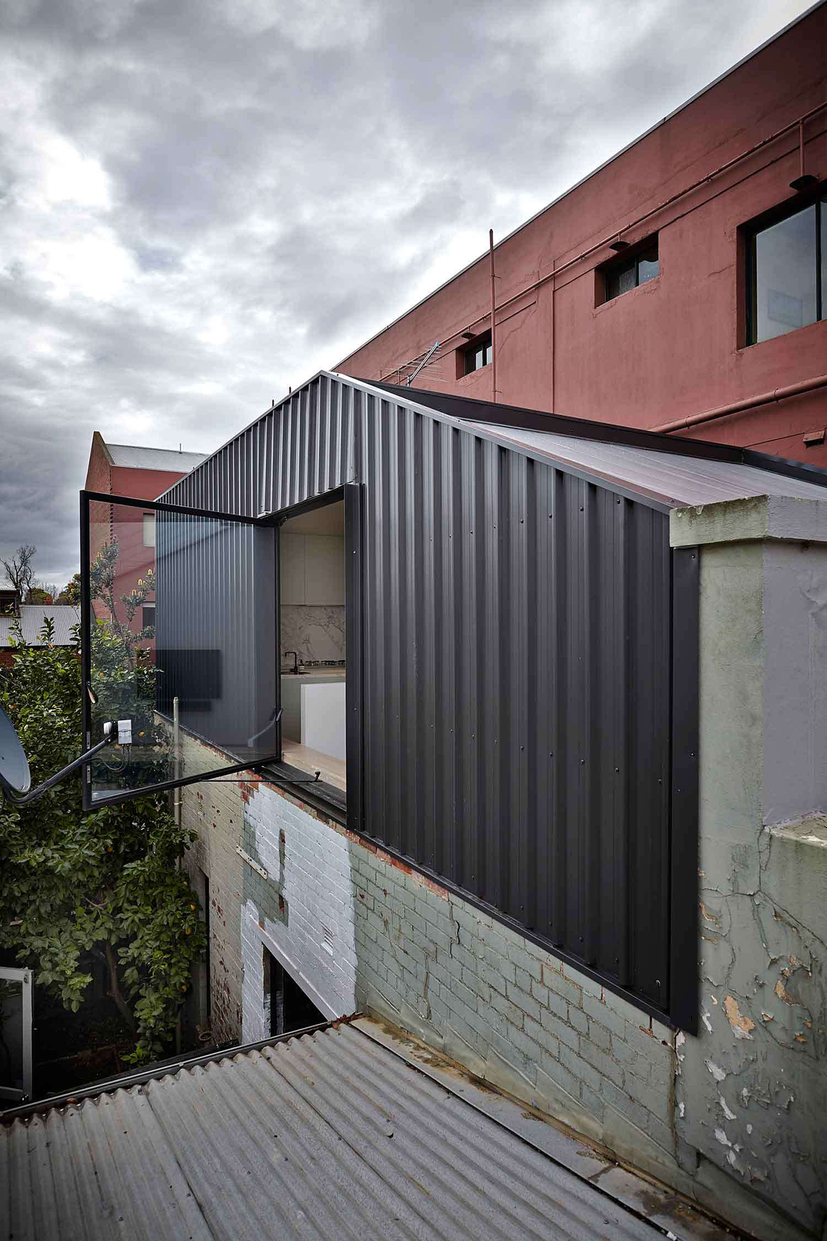 Lightbox House by Edward Moore Architects