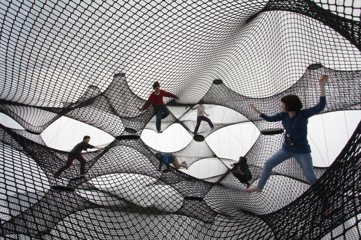 Interactive-Art-Installation-People-Play-Art-Suspended-4A.jpg