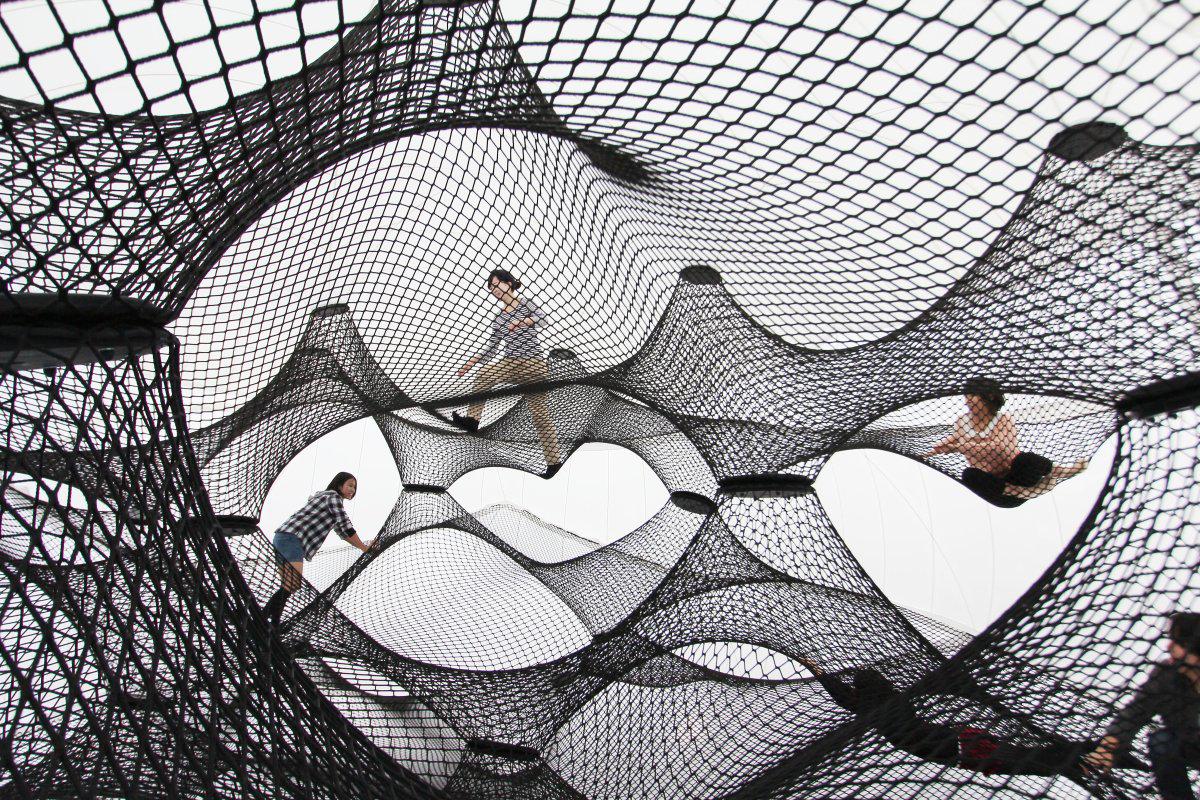 Interactive-Art-Installation-People-Play-Art-Suspended-4C.jpg
