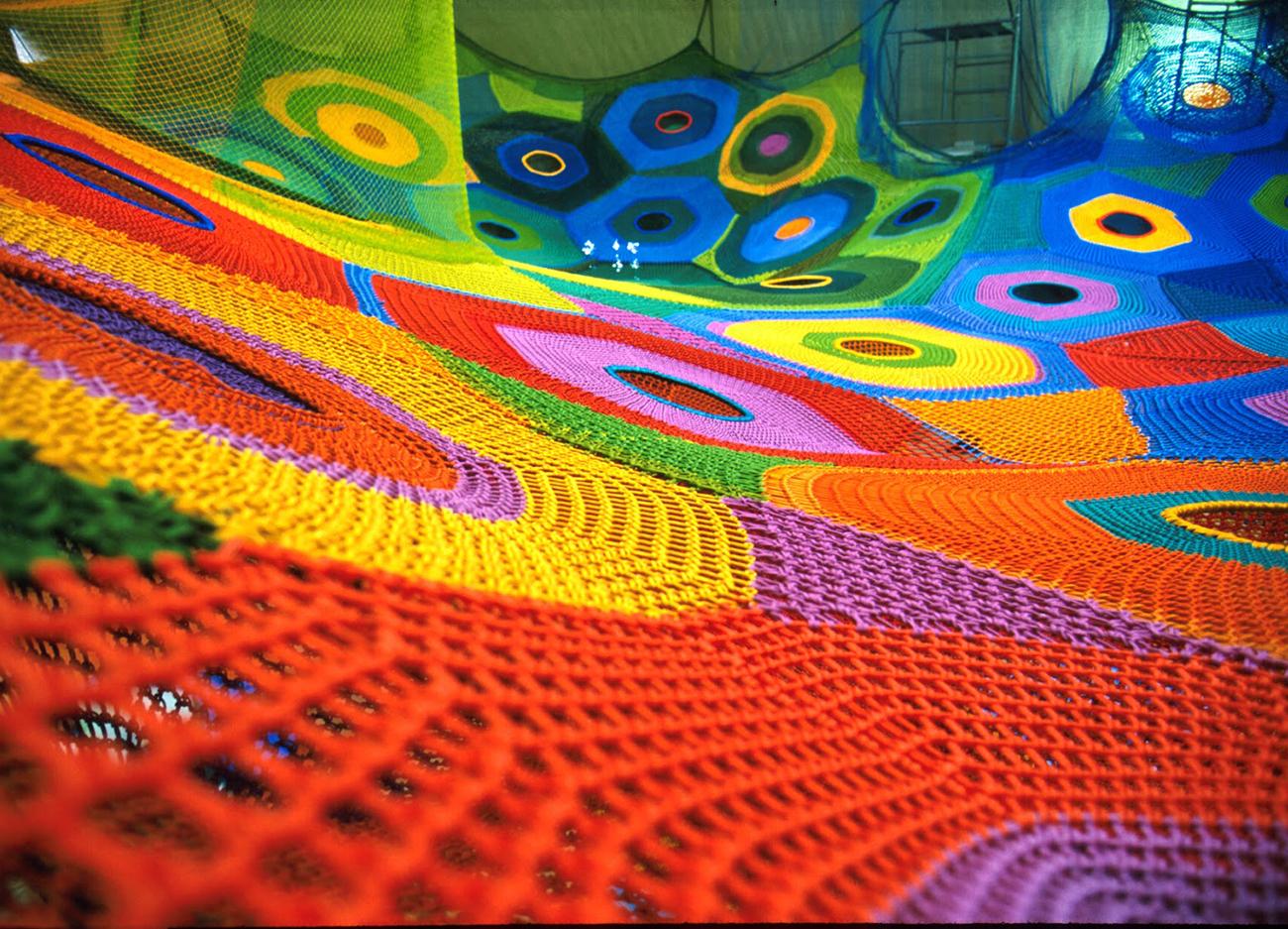 Interactive-Art-Installation-People-Play-Art-Suspended-3C.jpg