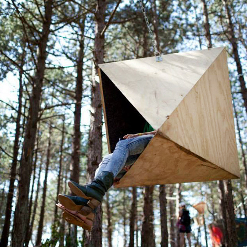 Interactive-Art-Installation-People-Play-Art-Suspended-12.jpg