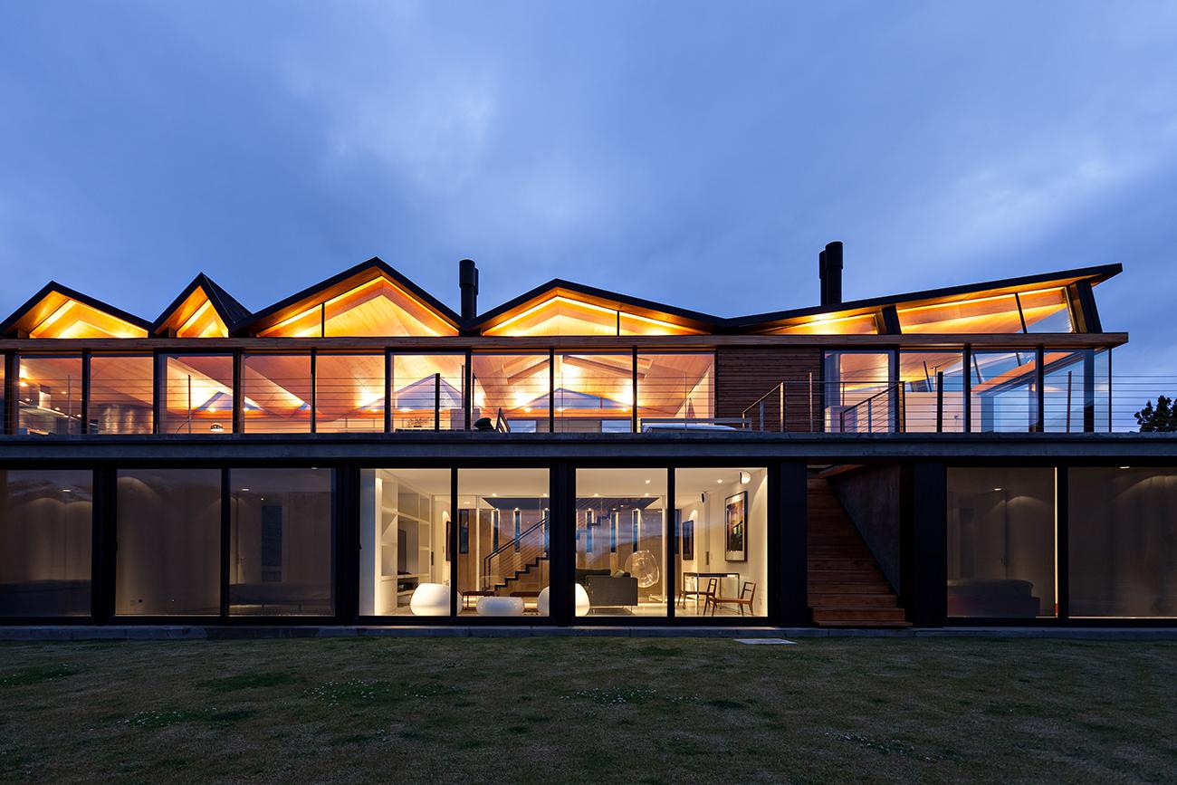 CS House in Barilocheon by Alric Galindez Arquitectos