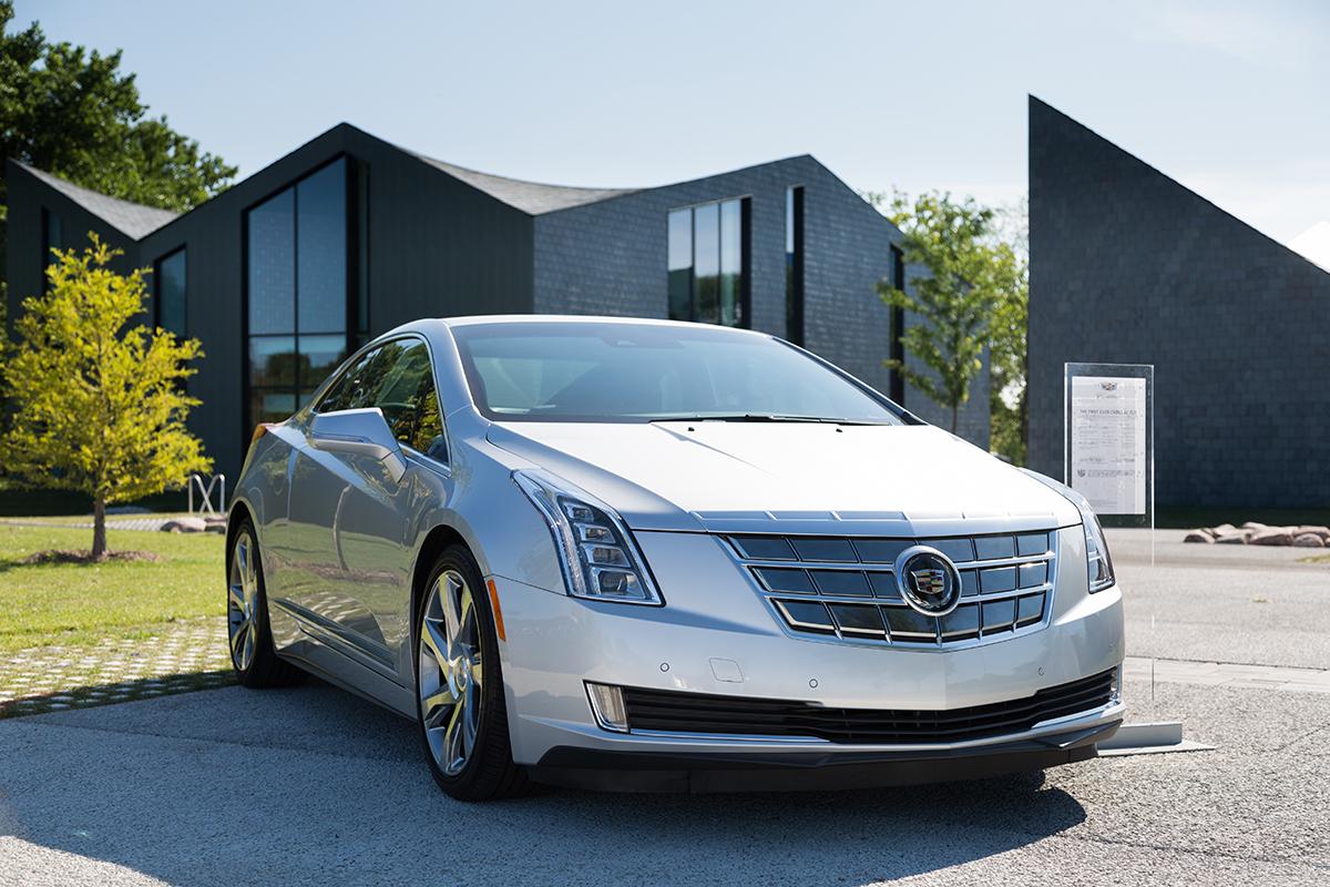 Cadillac-Driven-By-Design-Architecture-Tour-Chicago-2015-Escalade-7.jpg