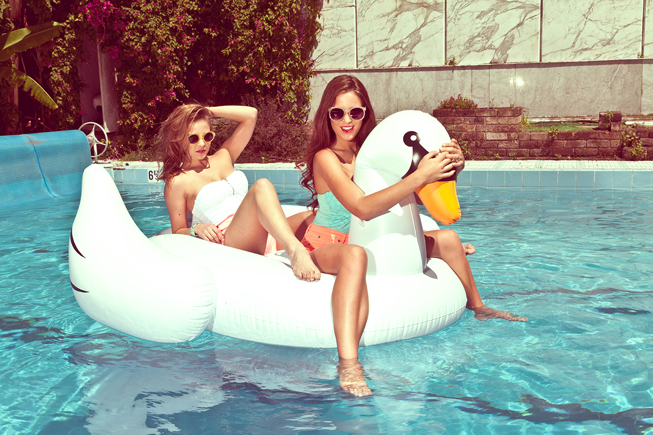 Giant inflatable White Swan by  Toy Splash  $40